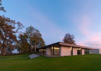 Villa mit Seeanstoss, Haueter Real Estate AG